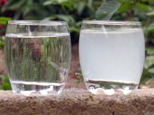 Чистая и мутная вода